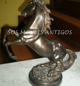 Cavalo em Bronze A: 0,50