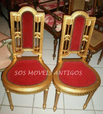 Par de cadeiras Luis XVI L:0,40 P:0,40 A:0,93