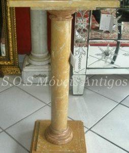 Coluna De Marmore L:0,31 P:0,31 A:0,70
