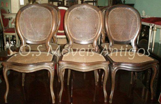 6 Cadeiras Medalhão Imbuia L:0,51 P:0,55 A:0,98