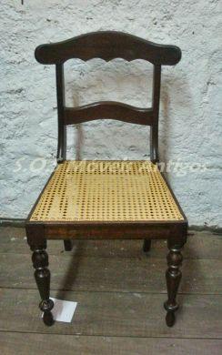1 Cadeira Estilo Império L:0,46 P:0,41 A:0,86