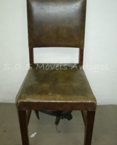 1 Cadeira Reta Anos 40 L:0,44 P:0,45 A:0,92