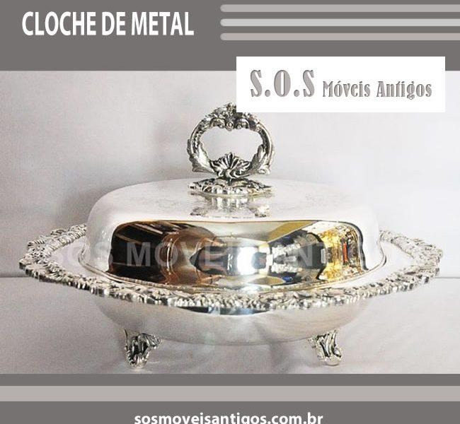 CLOCHE DE METAL